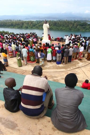 49 Praying at CoP PG3A5517